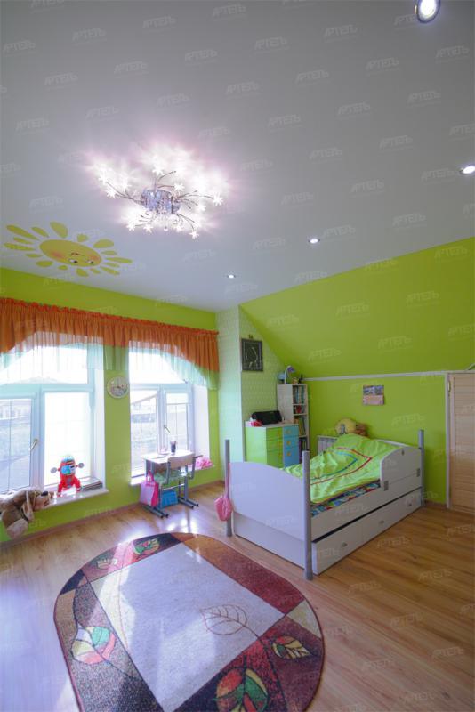 Натяжной потолок детская