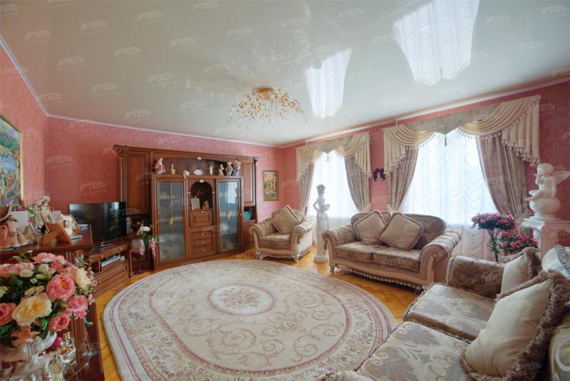 Натяжной потолок гостиная