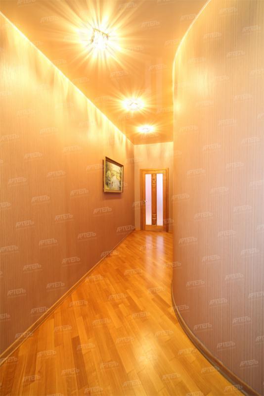 Натяжной потолок коридор